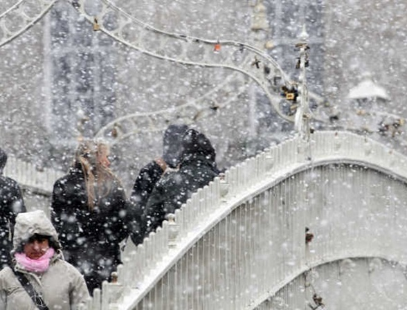 Winter Image Halfpenny Bridge
